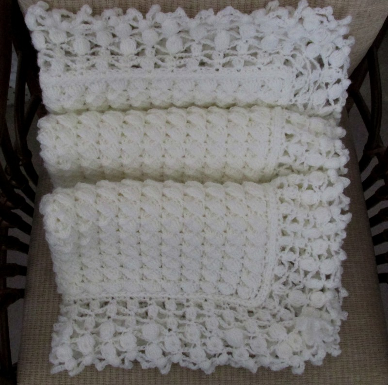 Mary Liz Warm and Lacy Reversible Baby Afghan - Pattern Errata ...