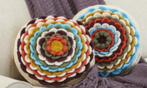 Petal Layers pillow crochet